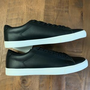 🔥NEW🔥H&M black and white shoe